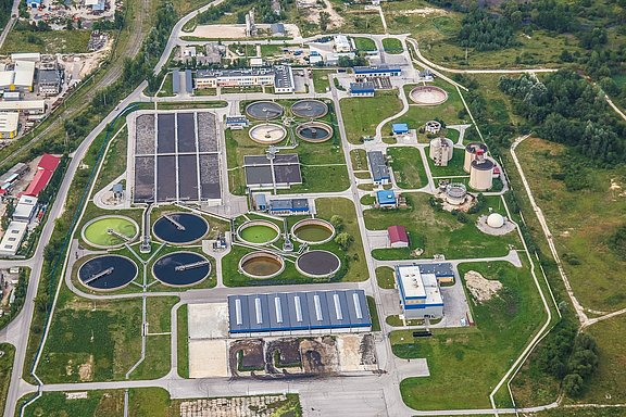 treatment-plant-wastewater-2826988_1920.jpg